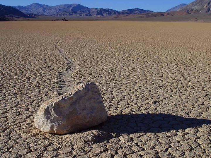 Death-Valley-Racetrack.jpg