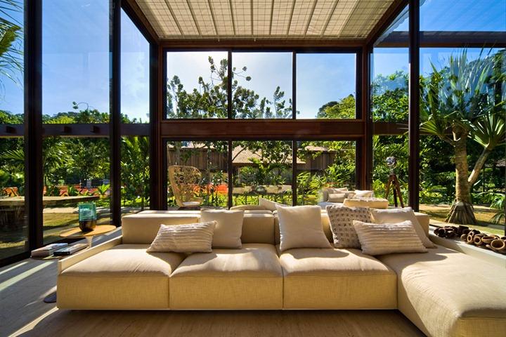 Фото домов с огромными окнами