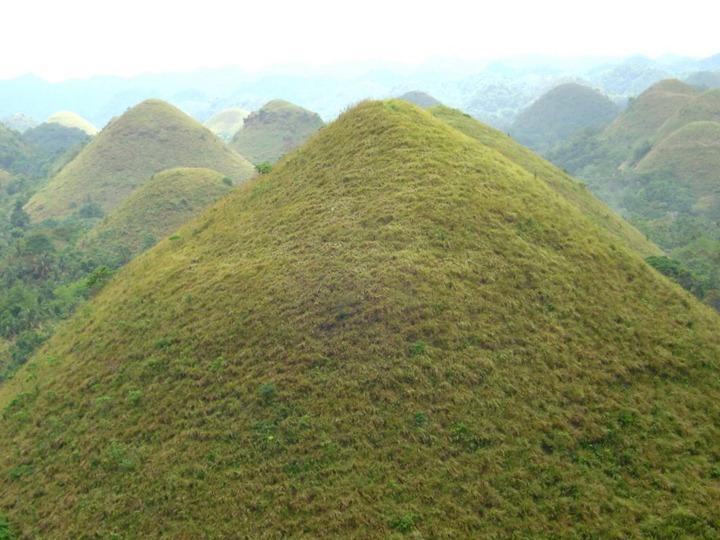 Шоколадные холмы в Филиппинах