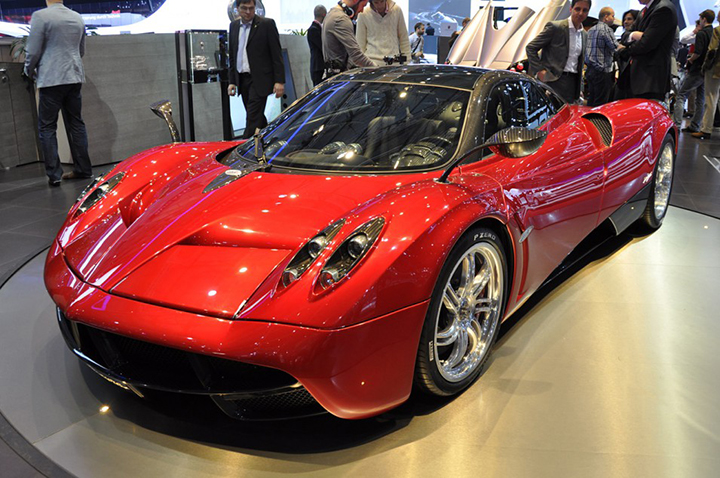 Дебют новейшего итальянского суперкара Pagani Huayra.